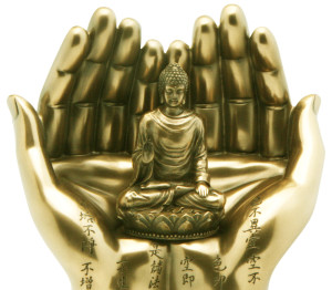 buddha-statue-on-two-hands oro ok